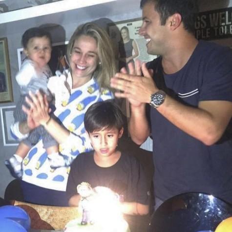 Fernanda Gentil comemora os 10 meses de Gabriel ao lado do ex-marido, Matheus Braga (Foto: Reprodução)