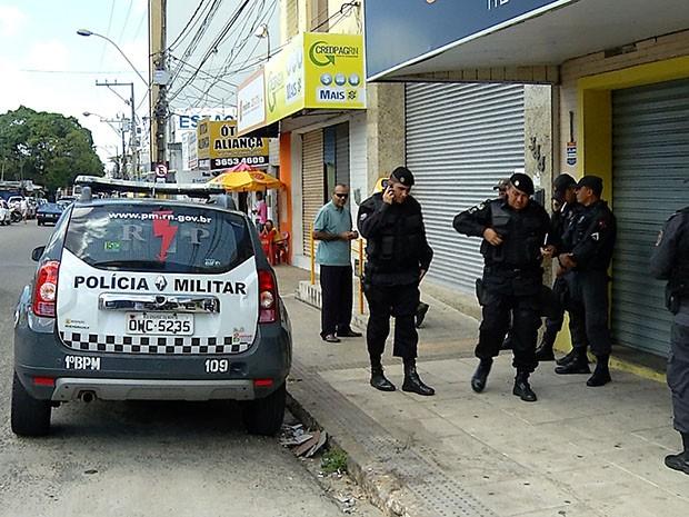 Criminosos fugiram levando o dinheiro da agência dos Correios (Foto: Reprodução/Inter TV Cabugi)