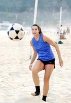 Amandha Lee perde 26 quilos com ajuda do futevôlei: 'Esporte é terapia'