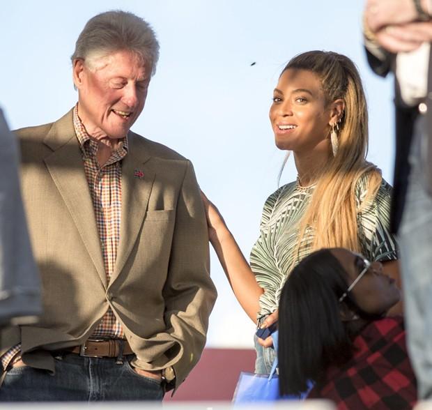 Bill Clinton e Beyonce (Foto: Grosby Group)