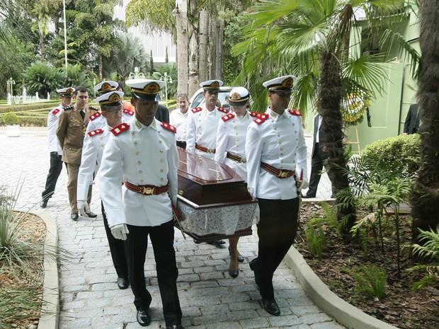 Corpo do ex-governador Mauro Borges é velado no Palácio das Esmeraldas, em Goiânia, Goiás (Foto: Sebastião Nogueira/O Popular)