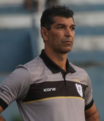 João Carlos, técnico do Americano (Foto: Carlos Grevi / Agência Ururau)