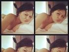 Deitada na cama, Jessie J posa enrolada em lençol