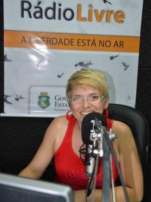 detenta cintia que apresenta programa de rádio (Foto: Sejus/Divulgação)