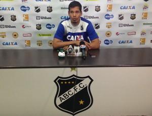Gilvan - goleiro do ABC (Foto: Carlos Cruz/GloboEsporte.com)