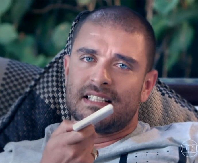 Diogo Nogueira gravou o clipe da música Tenta a Sorte (Foto: Vídeo Show / Gshow)