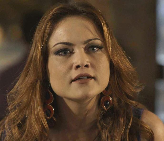 Leonora fica arrasada com as palavras do empresário (Foto: TV Globo)