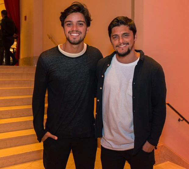 Rodrigo Simas e Bruno Gissoni (Foto: Rodrigo Guillenea/Divulgação)