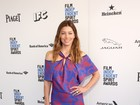 Veja os looks de famosas como Jessica Biel em prêmio de cinema