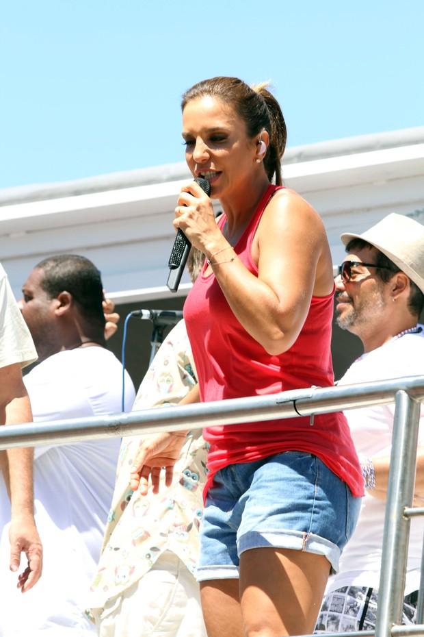 Ivete Sangalo no trio em Salvador (Foto: Mauro Zaniboni /Ag Haack)