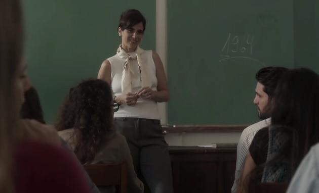 Mariana Lima em cena de 'Os dias eram assim' (Foto: Reprodução)