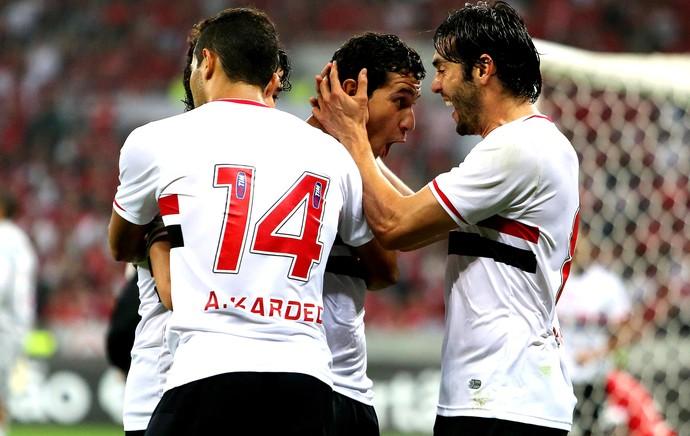 pAULO hENRIQUE gANSO e Kaká São Paulo gol Internacional (Foto: Pedro H. Tesch / Agência Estado)