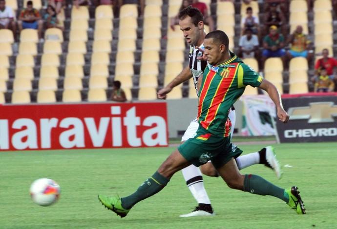 Atacante Jheimy quer que o Sampaio tenha imposição por jogar como mandante (Foto: Biamam Prado / O Estado)