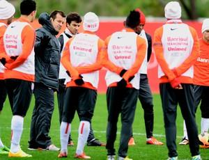 dunga treino inter internacional (Foto: Alexandre Lops/Divulgação Inter)