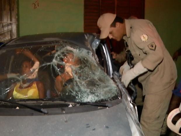Apesar do forte impacto, ninguém ficou ferido (Foto: Reprodução/ TV Tapajós)