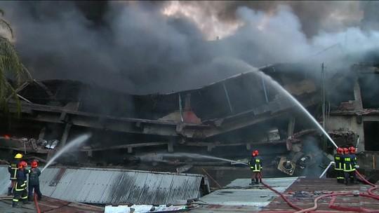 Incêndio em fábrica têxtil de Bangladesh deixa 25 mortos