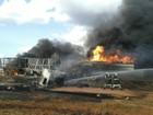 Caminhões batem de frente, pegam fogo e rodovia é interditada em MT