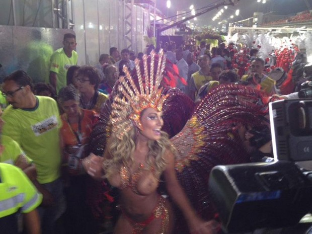 Andressa Urach chega ao Anhembi (Foto: G1 São Paulo)