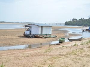 Seca no Rio Branco é considerada a maior dos últimos vinte anos (Foto: Marcelo Marques/G1)