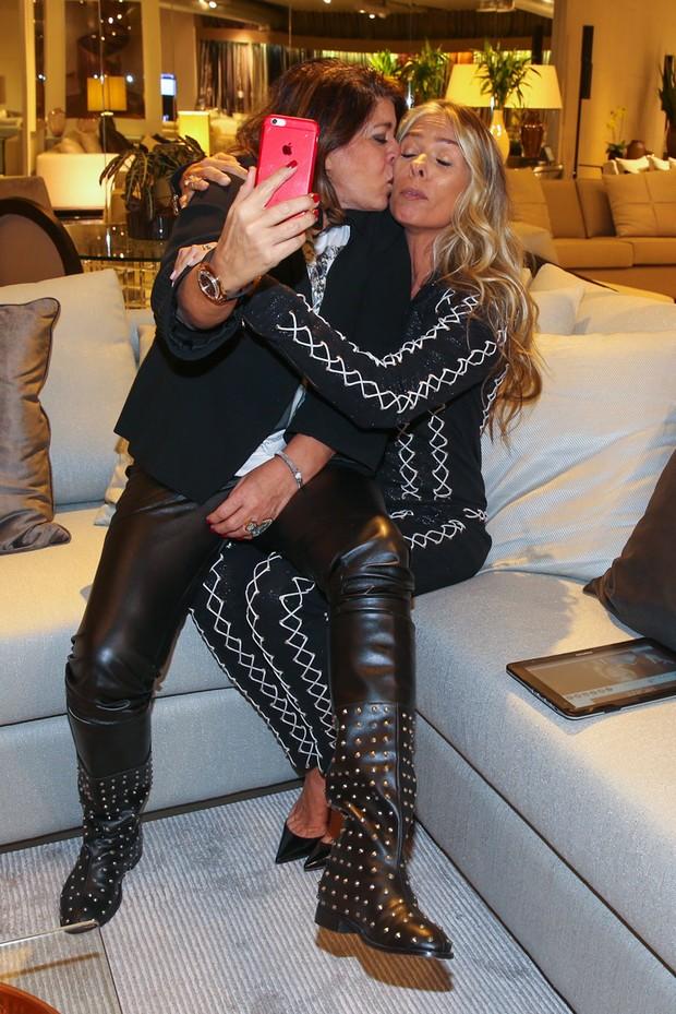 Roberta Miranda e Adriane Galisteu (Foto: Manuela Scarpa / Foto Rio News)