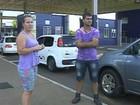Casal que ficou acampado na Ponte da Amizade consegue recuperar carro