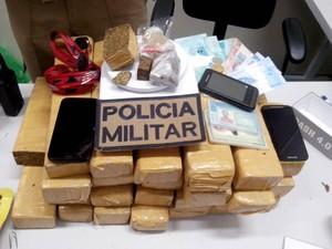 PM apreende 21 quilos de maconha em Rio do Sul (Foto: Polícia Militar/Divulgação)