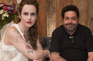 Fernanda Young e Alexandre Machado falam do humor da série (TV Globo/Fim do Mundo)