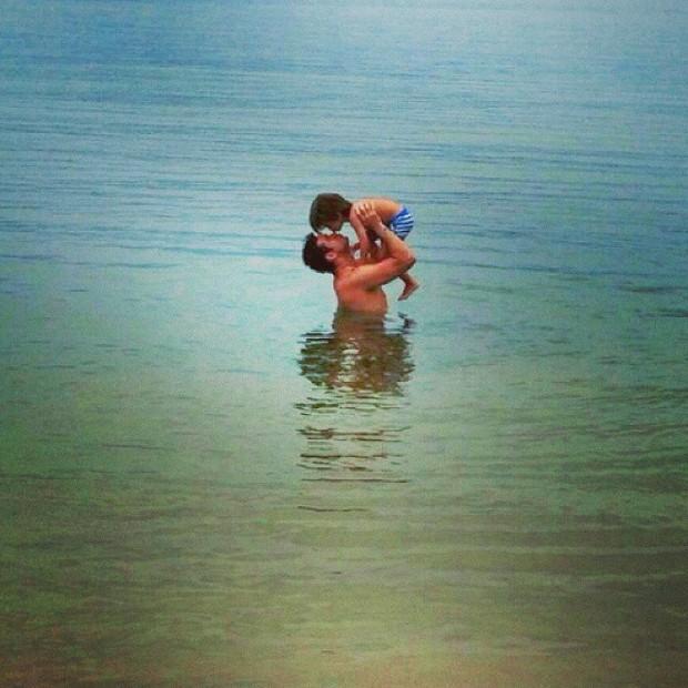 Sidney Sampaio com o filho (Foto: Instagram / Reprodução)