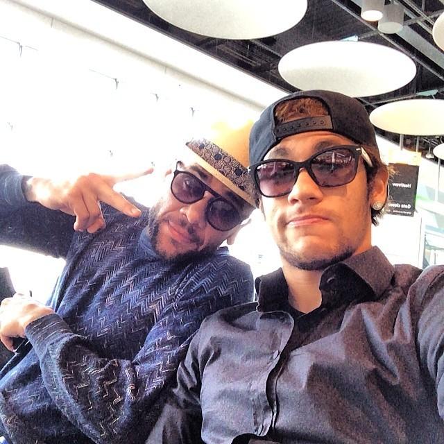 Daniel Alves e Neymar (Foto: Reprodução/Instagram)