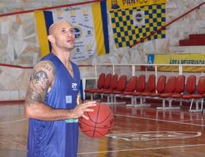 O ala-armador André Laws, do São José Basquete (Foto: Danilo Sardinha/Globoesporte.com)