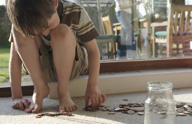 Dinheiro; Filho; Família; Criança; Finanças (Foto: ThinkStock )