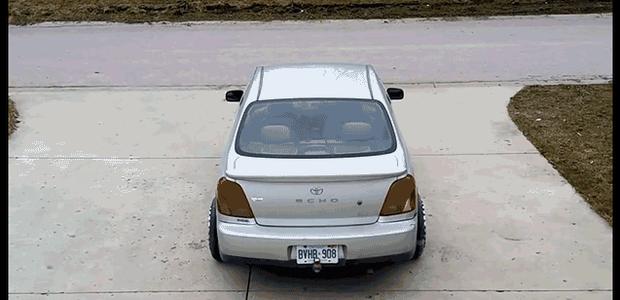 Chega de passar vergonha na hora de estacionar seu carro (Foto: Reprodução/Youtube)