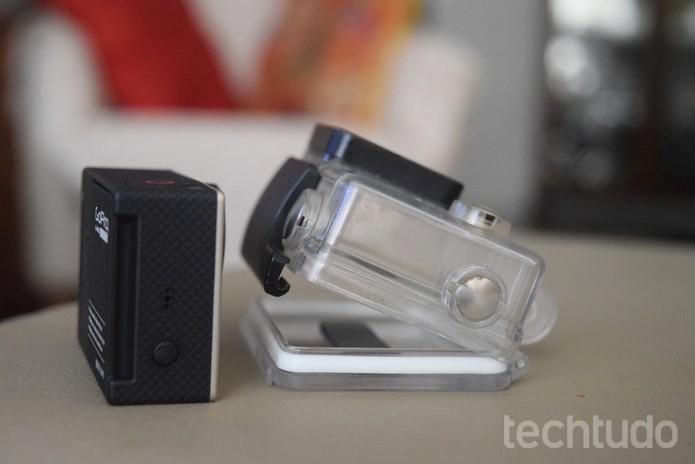 Para vídeo com qualidade de áudio, retire a case ou use um microfone externo  (Foto: Juliana Pixinine/TechTudo)