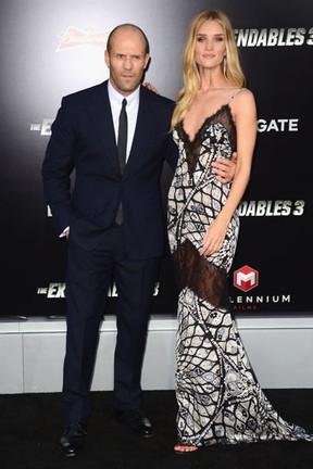 Jason Statham e Rosie Huntington-Whiteley em première em Los Angeles, nos Estados Unidos (Foto: Frazer Harrison/ Getty Images/ AFP)