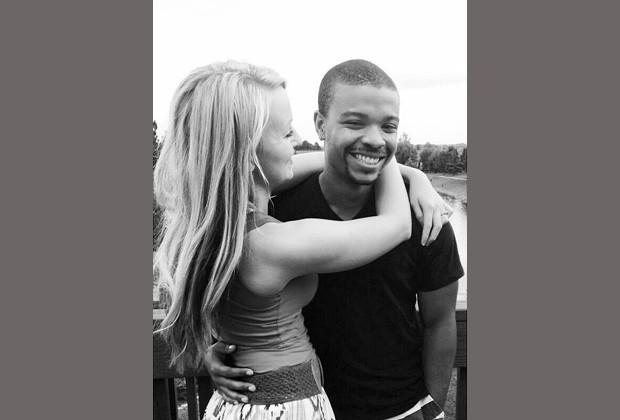 Ashlyn e o namorado Ra'Montae em imagem postada no Facebook da estudante (Foto: Reprodução / Facebook)