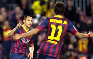 Alexis Sanchez comemoração gol jogo Barcelona e Almeria (Foto: EFE)