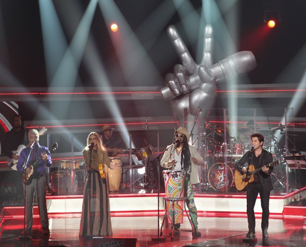 Lulu Santos, Claudia Leitte, Carlinhos Brown e Daniel no show de abertura do reality (Foto: The Voice Brasil/TV Globo)