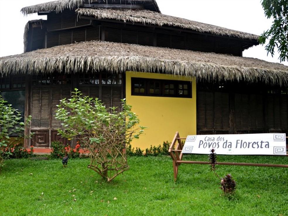 Casa Povos da Floresta, em Rio Branco, deve passar por reformas (Foto: Quésia Melo/G1)