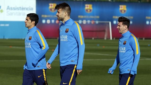 Luis Suárez, Piqué e Messi treino Barcelona