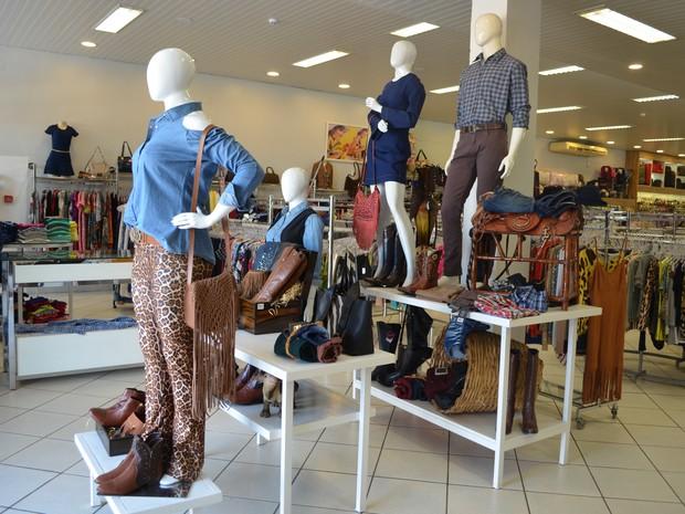 Comerciantes esperam aumento de vendas no mês de agosto em Cacoal (Foto: Rogério Aderbal/G1)