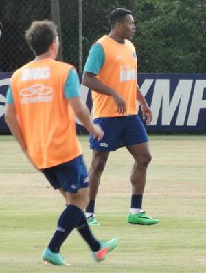 Júlio Baptista, do Cruzeiro (Foto: Rafael Araújo)