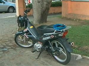 Registro de cinquentinhas começa a ser cobrado em janeiro de 2012, em Salvador, Bahia (Foto: Reprodução TV Subaé)