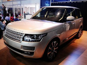 A Land Rover apostou suas fichas no novo Vogue, definido pela marca como o que se tem de mais moderno no mundo 4X4. Ele está 39% mais leve em relação à geração anterior. (Foto: Raul Zito/G1)