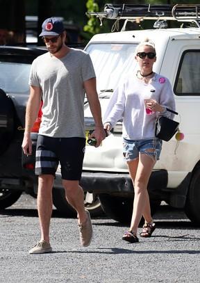 Liam Hemsworth e Miley Cyrus (Foto: AKM-GSI Brasil)