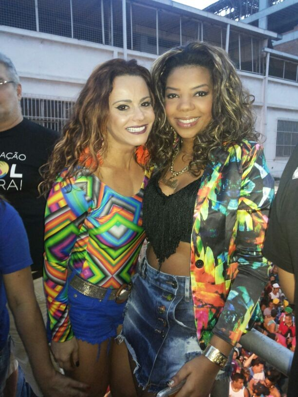 Viviane Araújo e MC Ludmilla na Parada Gay de Caxias (Foto: Divulgação/ABC PHOTOS)
