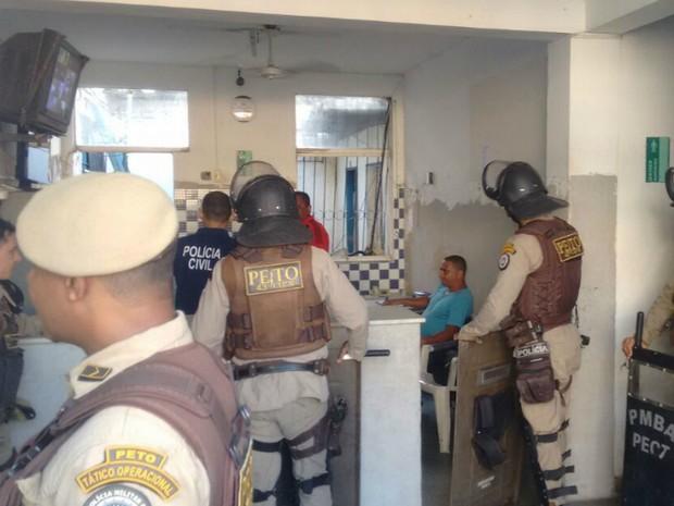 Princípio de rebelião foi registrado na delegacia de Itamaraju (Foto: Danuse Cunha/Itamaraju Notícias)