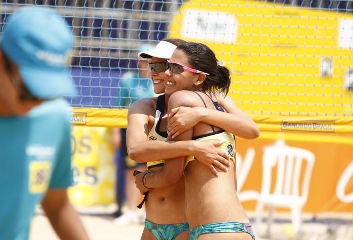 Duda e Carolina Horta vencem primeira etapa do Circuito Sul-Americano de vôlei de praia (Foto: Divulgação/CBV)