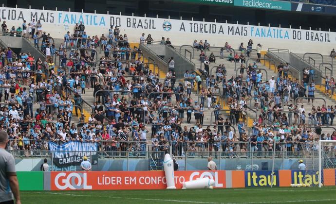 Torcida grêmio treino arena (Foto: Eduardo Moura/GloboEsporte.com)