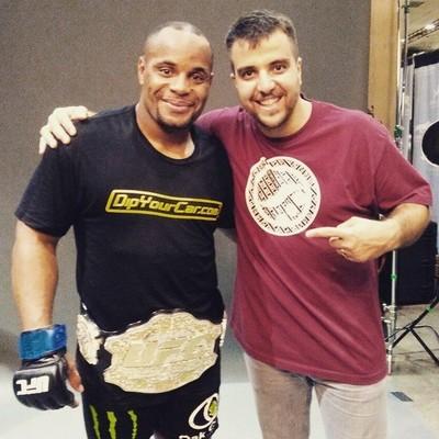 Daniel Cormier e Leandro Vieira (Foto: Reprodução / Facebook)