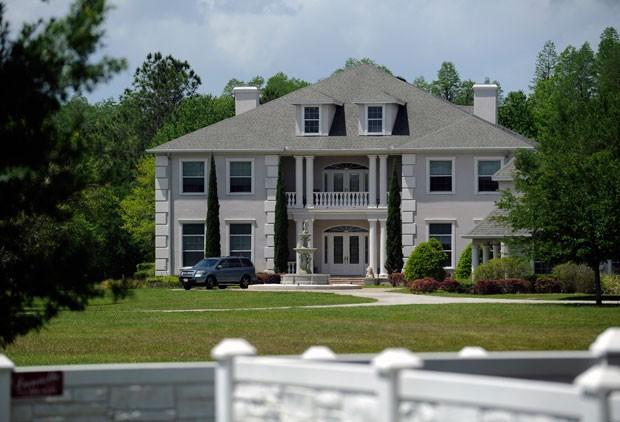 Escola de formação de strippers funcionava em mansão de US$ 2 milhões  (Foto: Chris Urso/The Tampa Tribune/AP)